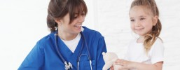 Czym zajmują się specjaliści chorób dziecięcych