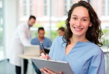 Leczenie choroby refluksowej przełyku lub przepuklin rozworu przełykowego